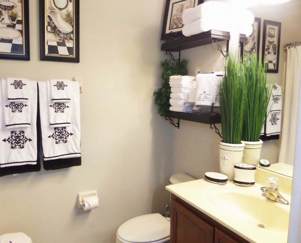 Guest bathroom decorating on a budget be my guest with for Cheap decorating bathroom ideas