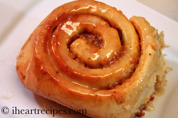 Sweet-Potato-Cinnamon-Rolls-1