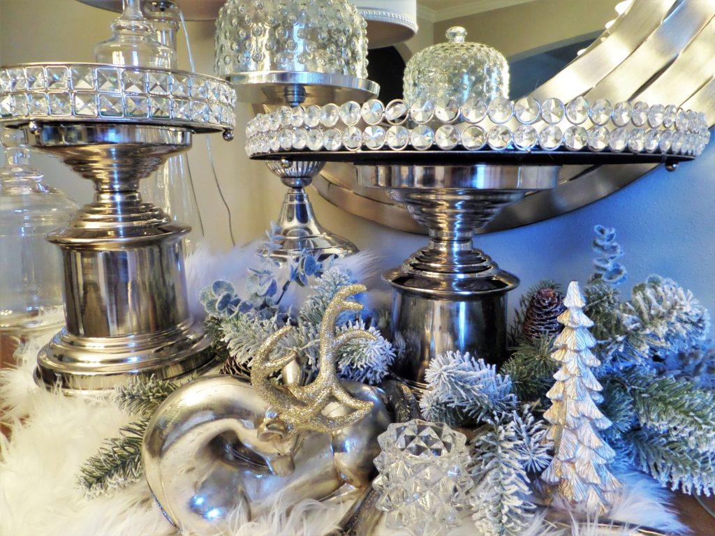 Christmas Dessert Table Set-Up