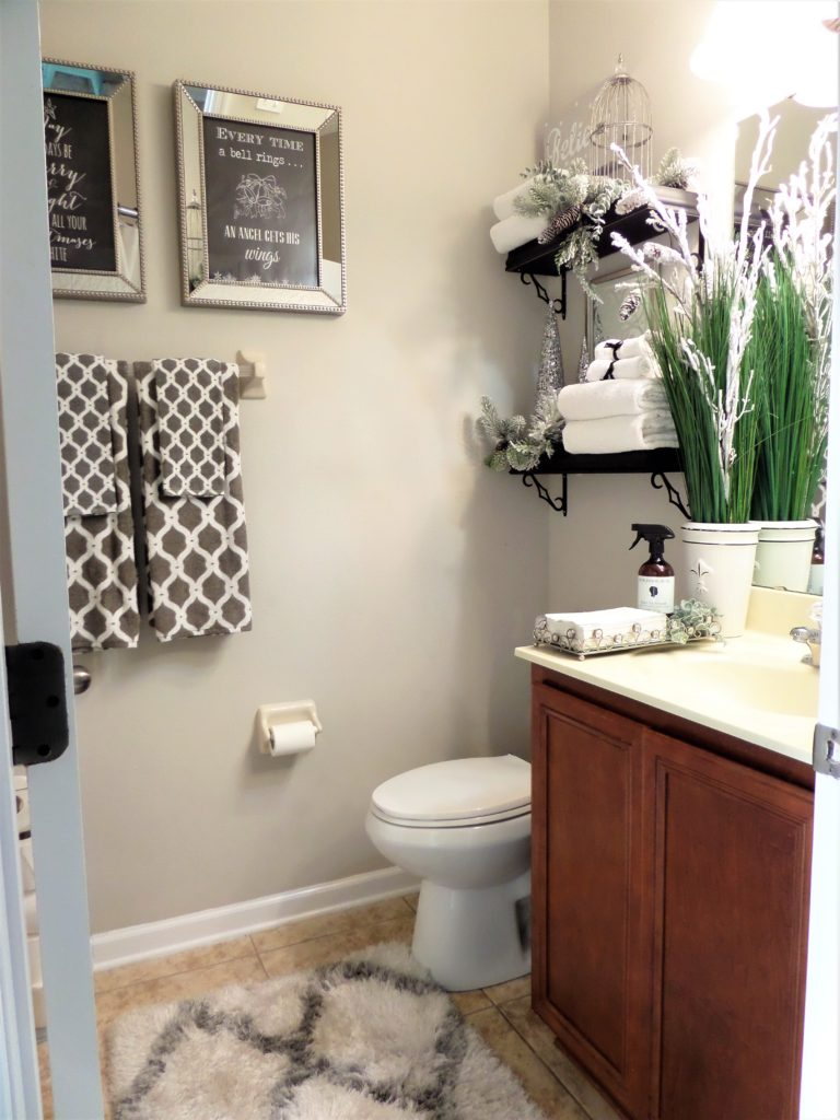 Tips For Getting Your Guest Bathroom Ready For The Holidays